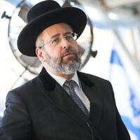 Israel's Ashkenazi Chief Rabbi David Lau at the Western Wall, in the Old City of Jerusalem, July 21, 2019. (Noam Revkin Fenton/Flash90)