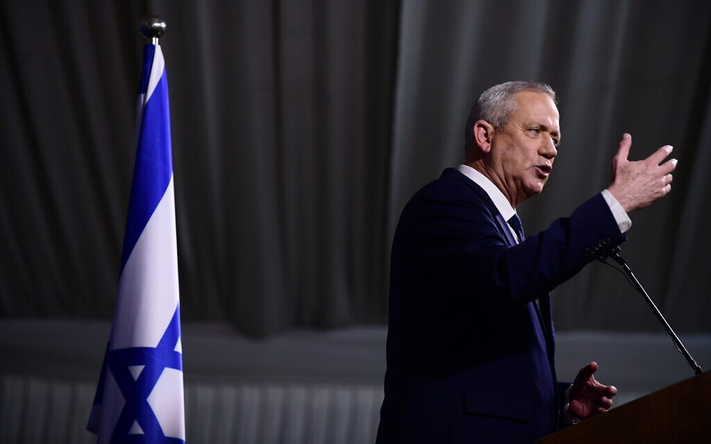 Then-Blue and White leader Benny Gantz holds a press conference at Kfar Hamaccabia on February 26, 2020. (Tomer Neuberg/Flash90)