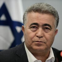 Chairman of the Labor party Amir Peretz is seen during a press conference in Tel Aviv, March 12, 2020. (Tomer Neuberg/Flash90)