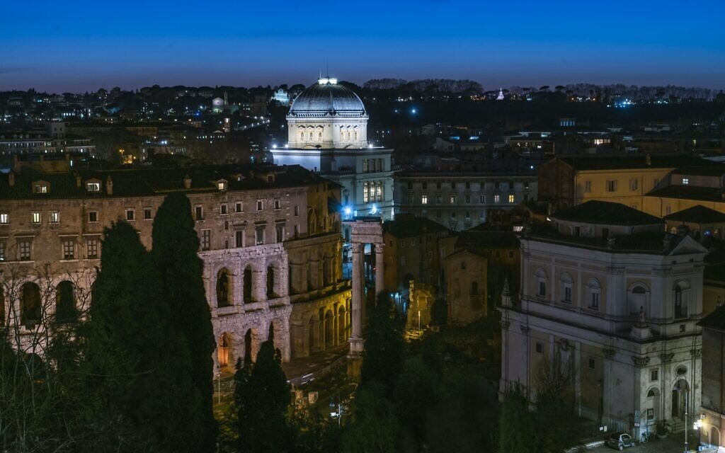 Exterior of the Great Synagogue of Rome. (Courtesy)
