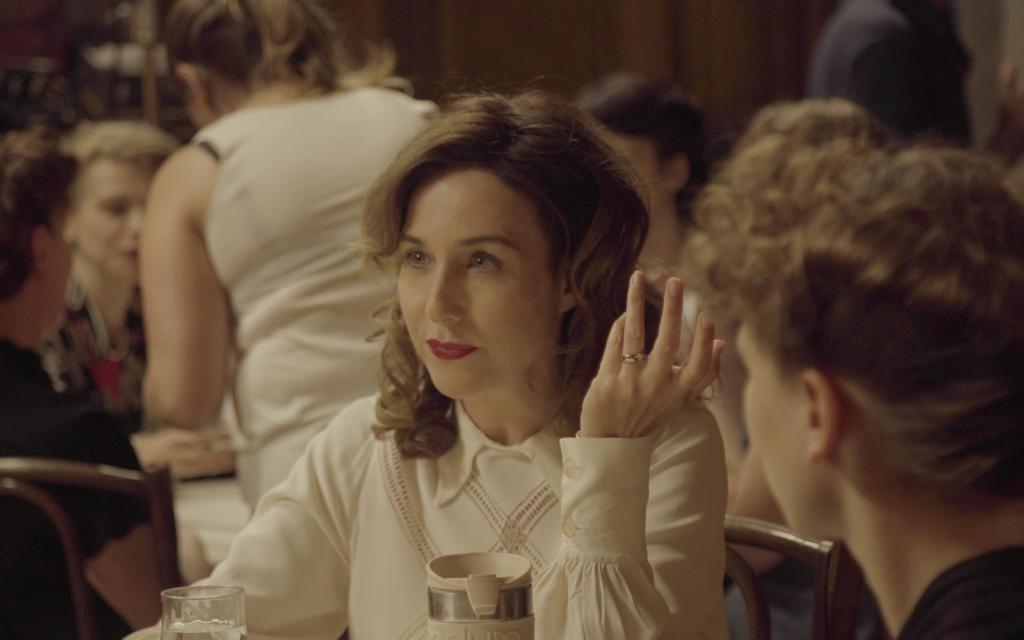 Elsa Zylberstein interpreta Jeanne Reichenbach em 'Je ne rêve que de vous' ou 'An Irrepressible Woman'.  (Cortesia)