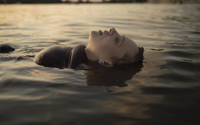 Shira Haas in Netflix's 'Unorthodox' (Anika Molnar/Netflix)