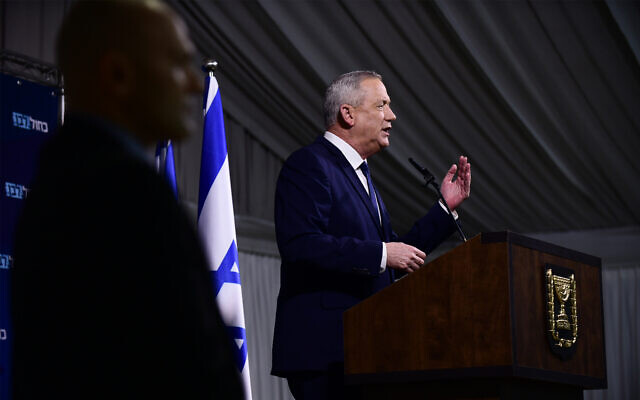 Blue and White chairman Benny Gantz holds a press conference in Ramat Gan, February 26, 2020. (Tomer Neuberg/Flash90)