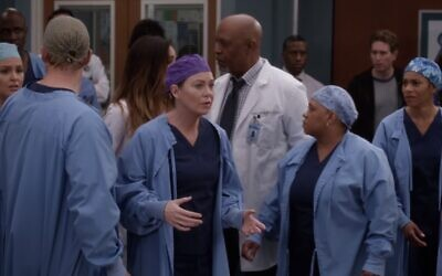 Actors from ABC medical drama 'Grey's Anatomy' wearing surgical gowns (Screen grab)
