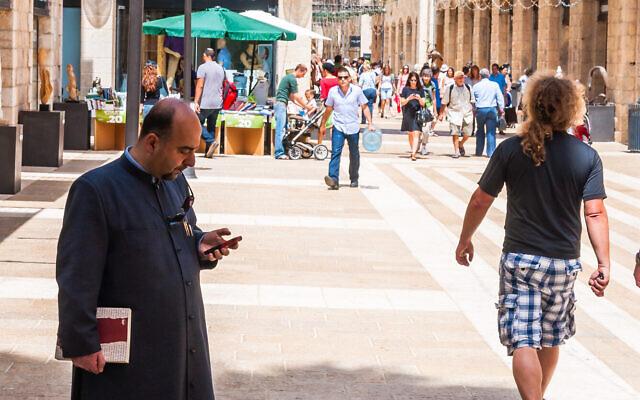 Illustrative: The Mamilla pedestrian mall in Jerusalem. (iStock/ YKD)