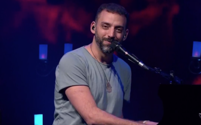 Idan Raichel plays a concert for the Zappa Group and Keshet, which are offering free, online concerts of well-known Israeli musicians (Zappa Group)