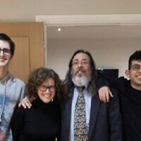 Rabbi Neil Kraft with his family. (Courtesy)