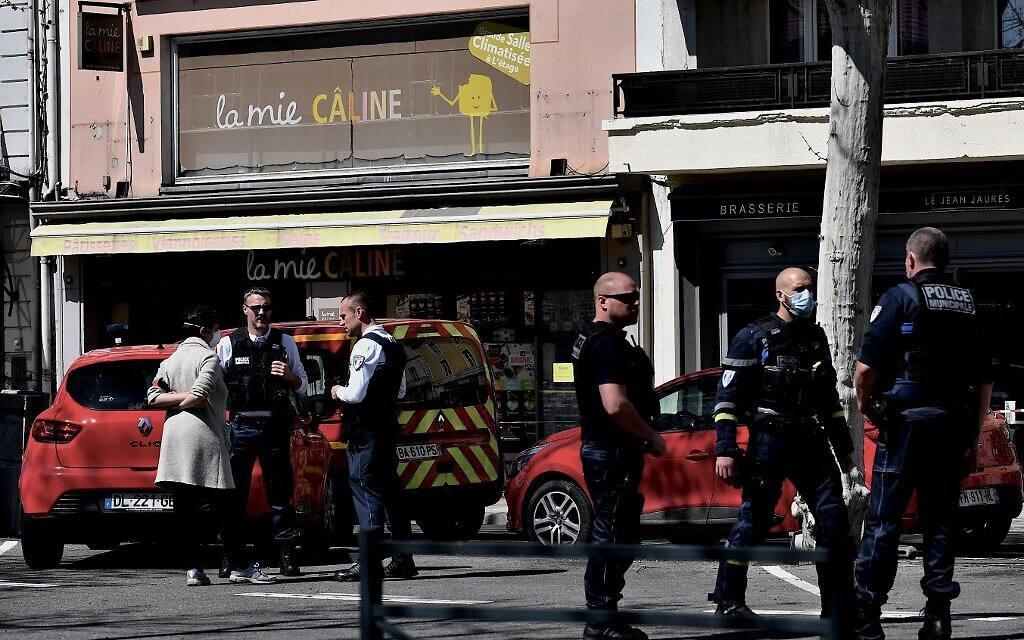 2 dead, several injured in southern France knife attack; suspect arrested