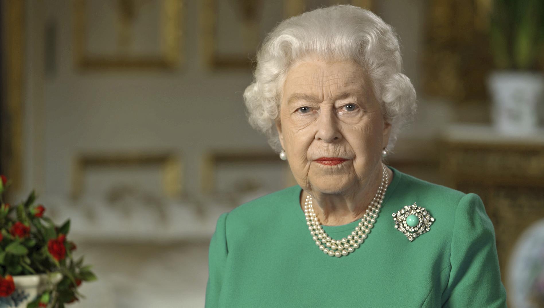 Queen Elizabeth Ii Christmas Message 2020 We will meet again': Queen delivers message of hope to UK amid