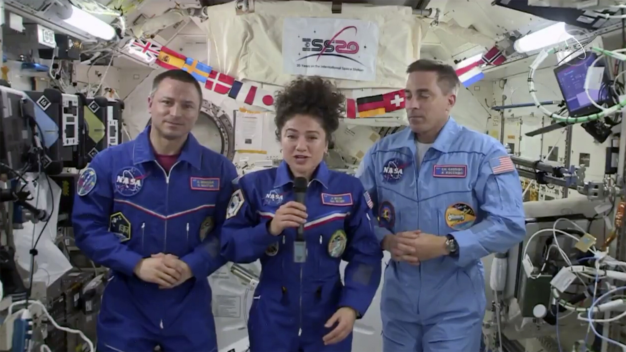 Experience of Astronauts Who Return to Earth Amid Pandemic