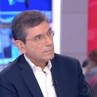 Prof. Gabi Barbash, former director general at Tel Aviv Sourasky Medical Center, on April 7, 2020. (Channel 12)
