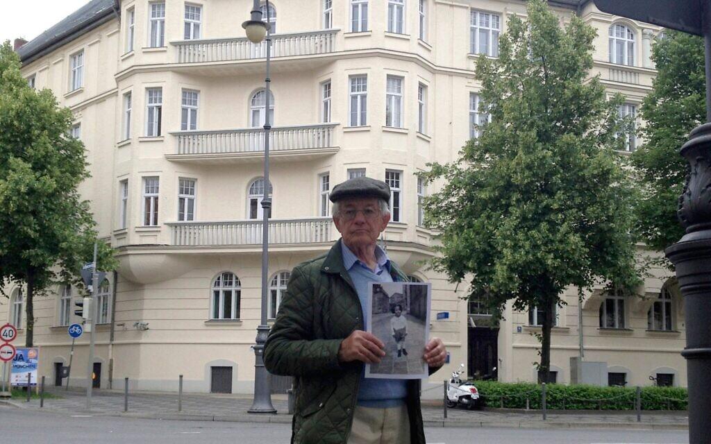 Edgar Feuchtwanger stands outside Hitler's former home at Prinzregentenplatz 16 in Munich, Germany. (Courtesy)