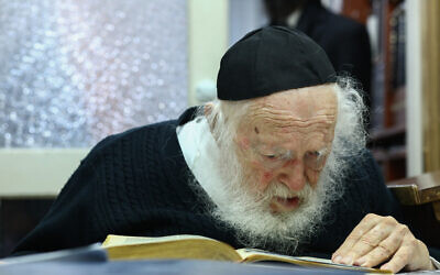 Rabbi Chaim Kanievsky seen at his home in the city of Bnei Brak on his 92nd birthday, on January 11, 2019. (Shlomi Cohen/Flash90)