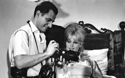 Henri Dauman with Brigitte Bardot on the 1961 set of 'A Very Private Affair.' (©Henri Dauman/ daumanpictures.com All rights reserved)