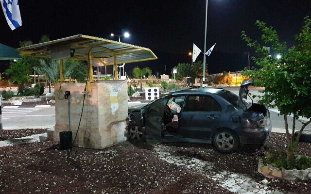 The scene after a Palestinian man drove his car into the Reihan checkpoint in the northern West Bank in a suspected attack, April 29, 2020 (Defense Ministry)