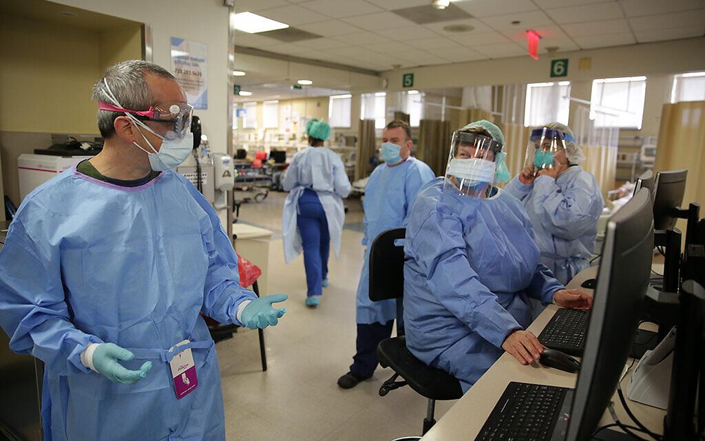 Dr. Eitan Dickman, left, at Maimonides Medical Center in Brooklyn, New York. (Lorraine Carita)