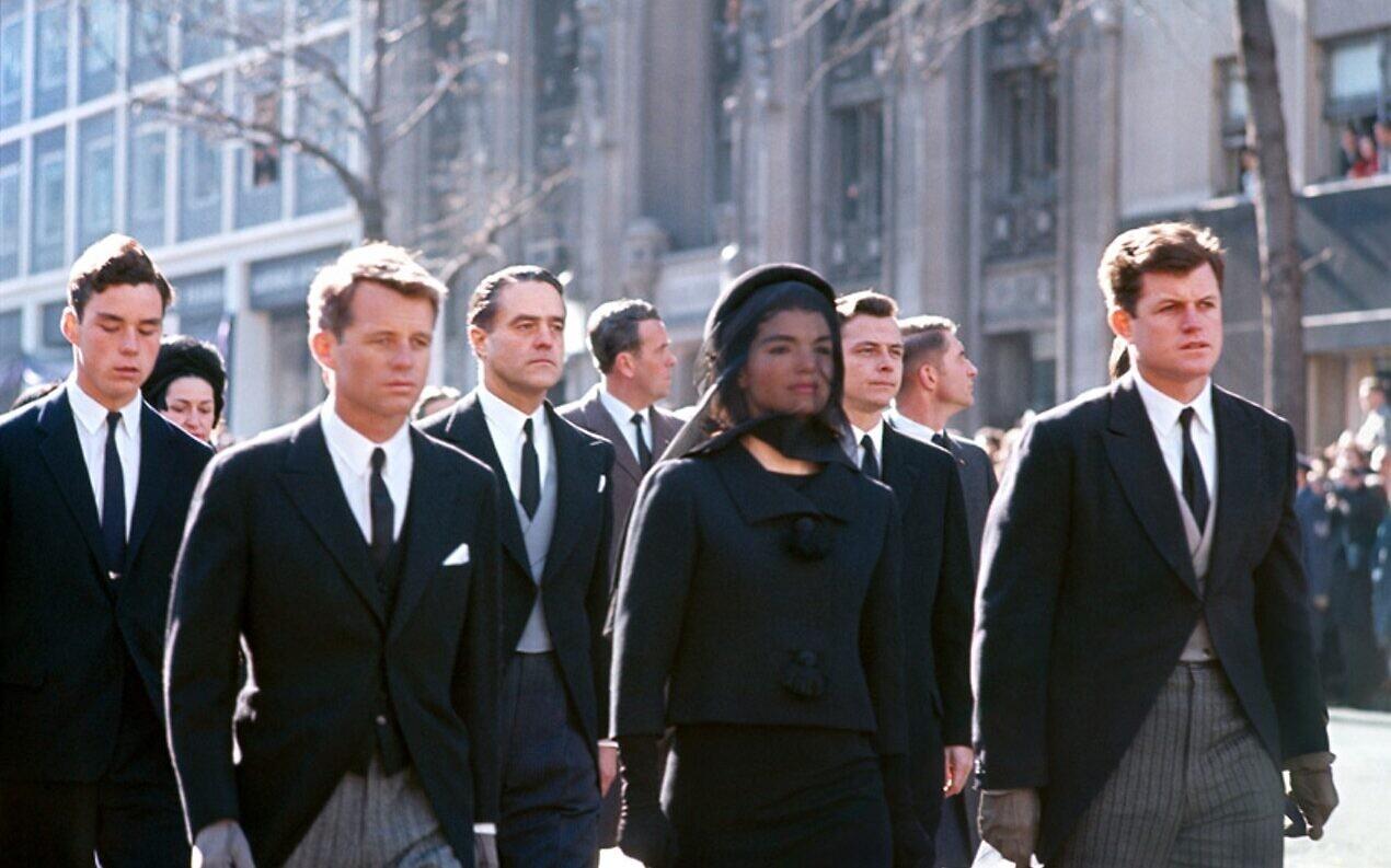 Funeral of John F. Kennedy. (©Henri Dauman/ daumanpictures.com All rights reserved)