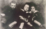Sala Glass (center) with two cousins in Chrzanow c.1916. (Courtesy of Hadley Freeman)