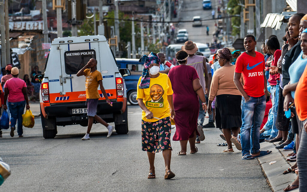 The Alexandra township of Johannesburg, South Africa, April 15, 2020. (AP/Jerome Delay)