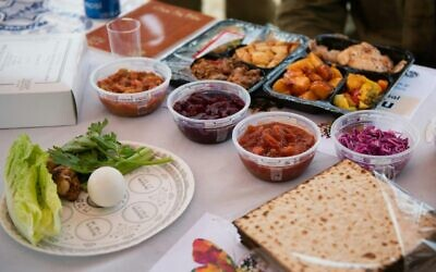 The IDF displays how the seder meals it plans to host on its bases will look, on April 6, 2020. (Israel Defense Forces)