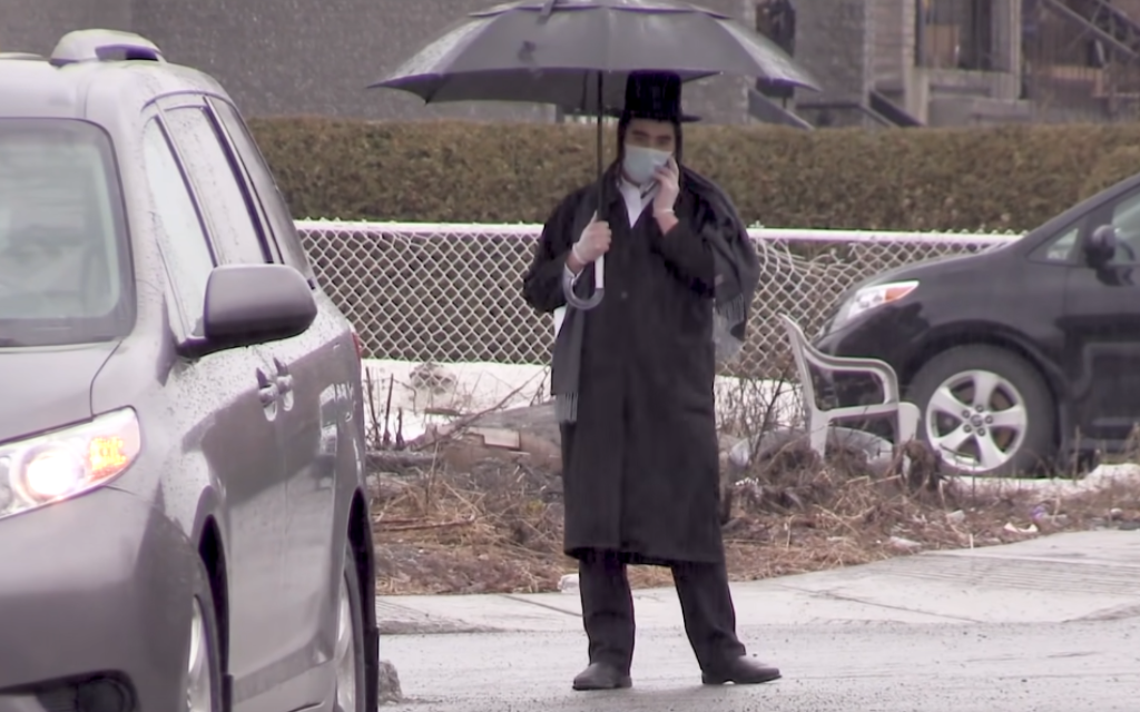 Hasidic community near Montreal under lockdown demonstrates against police