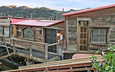 Shel Silverstein's houseboat, the 'Evil Eye.' (Christian Klugmann via JTA)