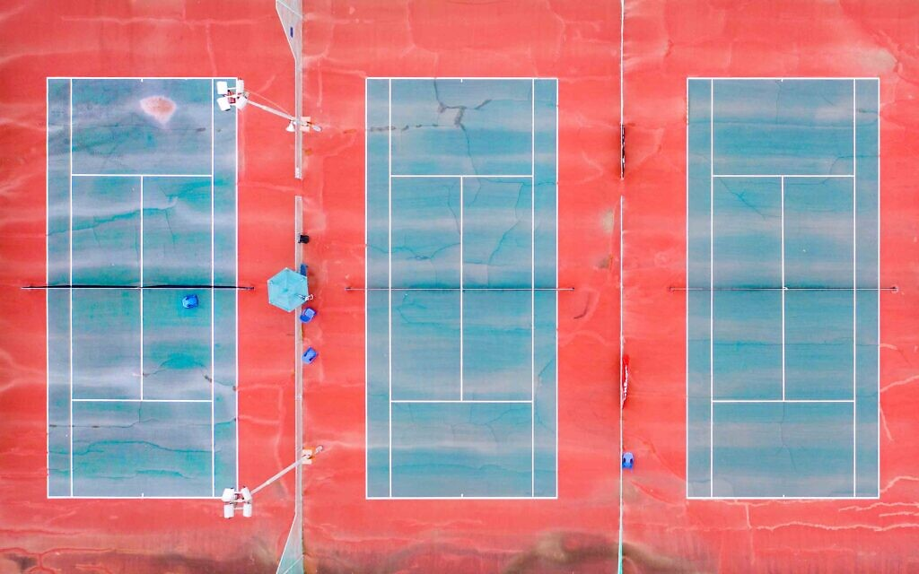 Tennis courts at Ganei Yehoshua, Tel Aviv, March 2020. (Photo by Lord K2)