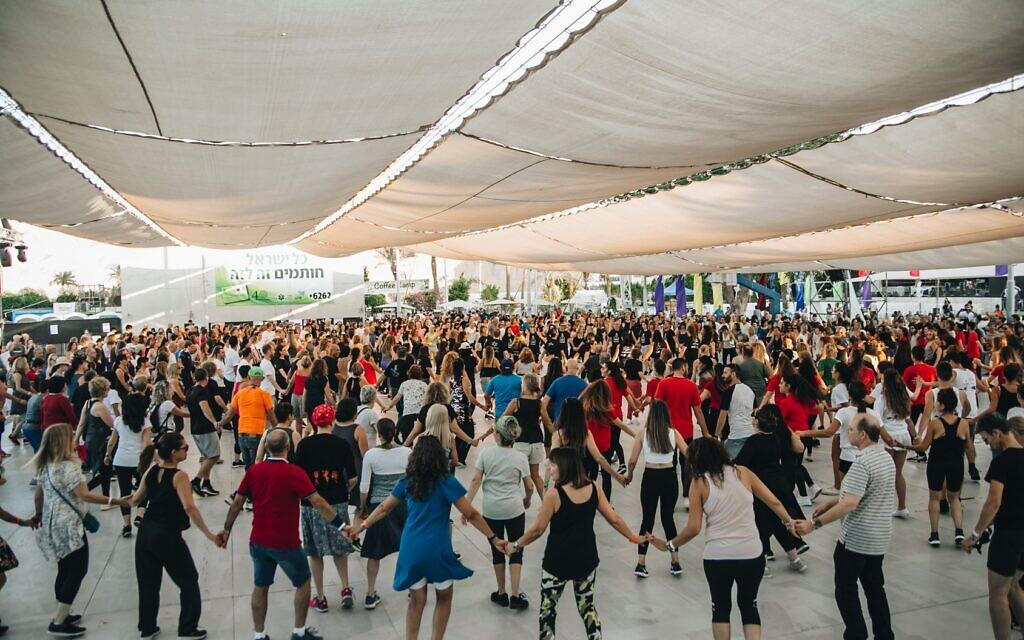 An Israeli folk dance session during Bitnua festival in Eilat, Israel. (Courtesy of Gadi Bitton/ via JTA)