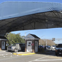 The entrance to the Naval Air Base Station in Pensacola, Florida, January 29, 2016. (Melissa Nelson/AP)