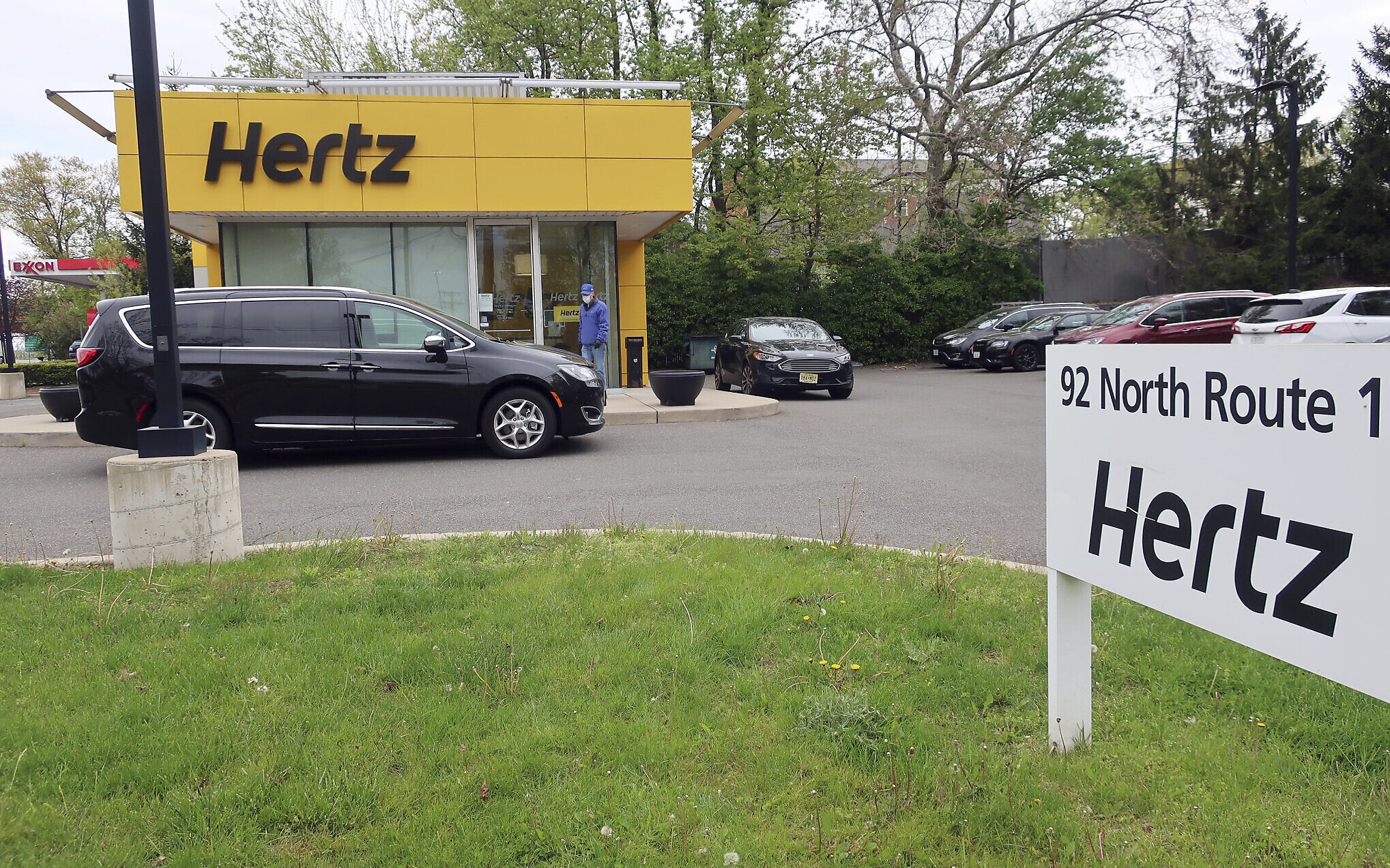 America's second-largest rental auto  company, Hertz, files for bankruptcy