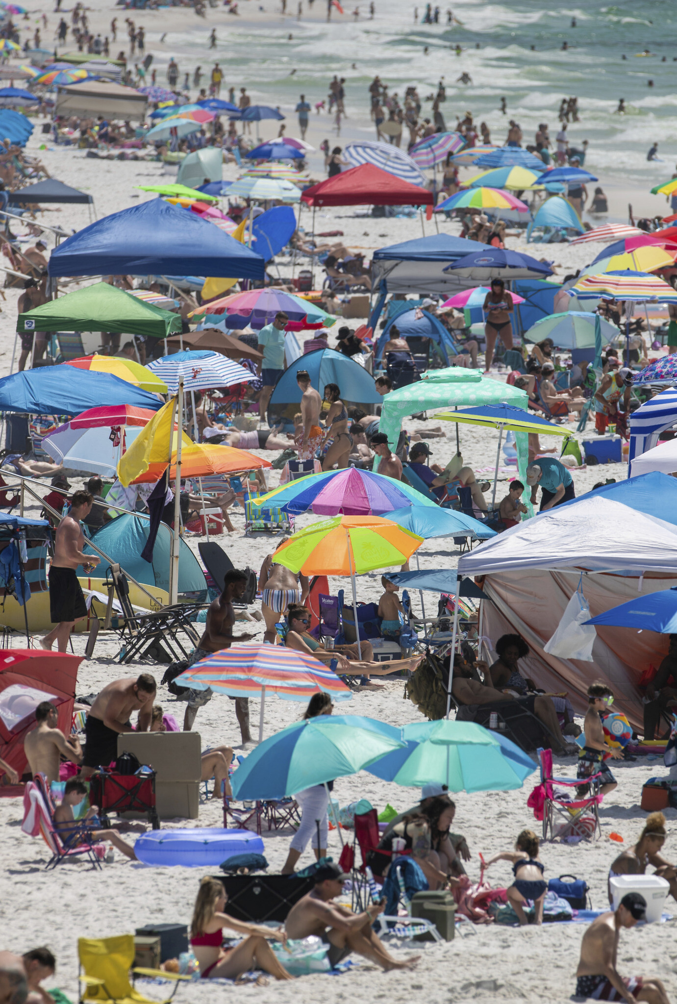 Memorial Day Weekend Draws Crowds