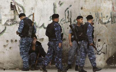 File: Palestinian policemen in the West Bank town of Nablus (AP Photo / Nasser Ishtayeh)