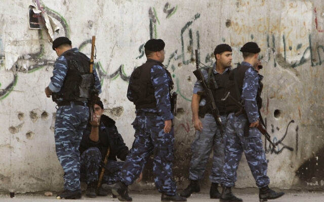 File: Palestinian policemen in the West Bank town of Nablus (AP Photo / Nasser Ishtayeh)