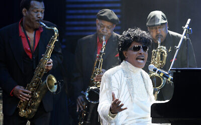 In this May 30, 2009 file photo, Little Richard performs at The Domino Effect, a tribute concert to New Orleans rock and roll musician Fats Domino, at the New Orleans Arena in New Orleans (AP Photo/Patrick Semansky, File)