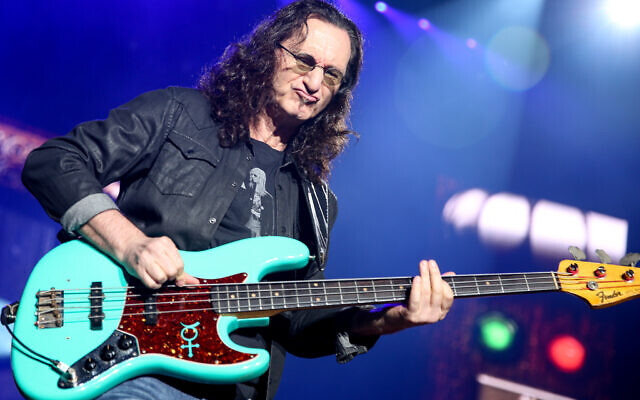 Geddy Lee of Rush performs during the final show of the R40 Tour at The Forum on Saturday, August 1, 2015, in Los Angeles. (Rich Fury/Invision/AP)
