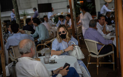Customers at a bar terrace in Madrid, Spain, May 25, 2020. (AP/Bernat Armangue)