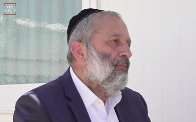 Interior Ministry Aryeh Deri in an interview with the ultra-Orthodox news site Kikar HaShabbat, broadcast on May 9, 2020. (Screenshot/Kikar HaShabbat)