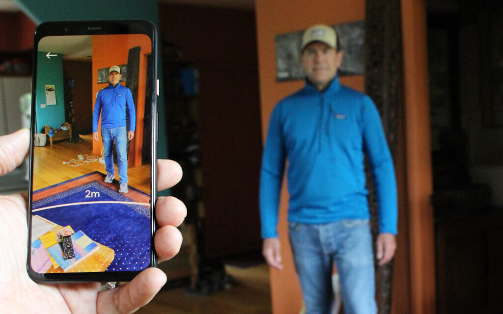 Google smartphone tool helps users maintain social distance