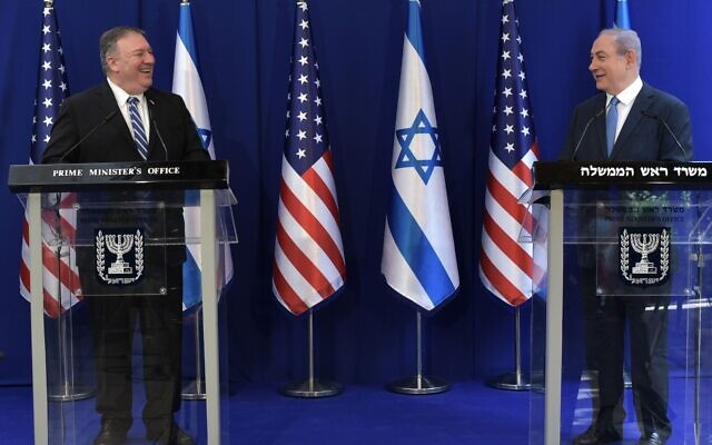 US Secretary of State Mike Pompeo, left, with Prime Minister Benjamin Netanyahu at his Jerusalem residence, May 13, 2020 (Kobi Gideon/PMO)