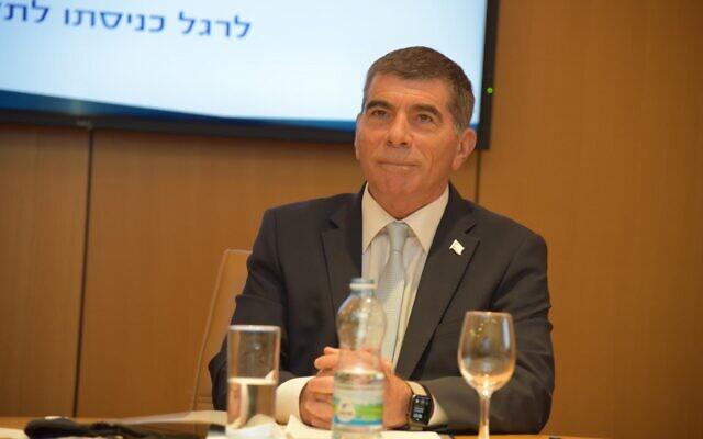 Incoming Foreign Minister Gabi Ashkenazi at the Foreign Ministry in Jerusalem, May 18, 2020 (Foreign Ministry)
