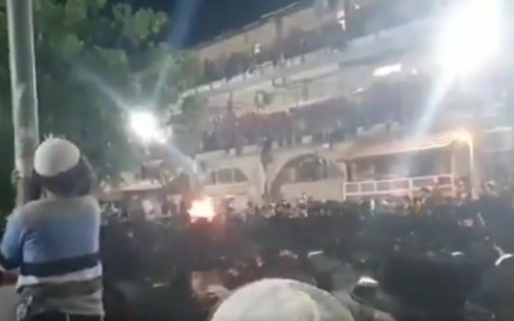 Hundreds of Haredim ignore ban, crowd Jerusalem streets to celebrate Lag B'Omer