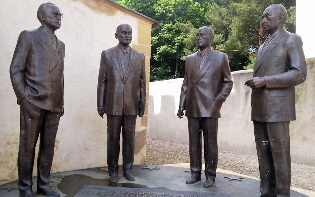 """The monument """"Homage to the Founding Fathers of Europe"""" in front of Robert Schuman's house in Scy-Chazelles; The statues represent four of the founders of the European Union - Alcide de Gasperi, Robert Schuman, Jean Monnet and Konrad Adenauer (PD)"""