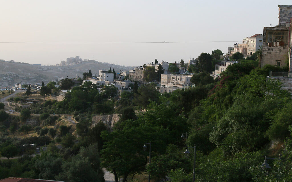 The cable car's line stretches above the Hinnom Valley. (Shmuel Bar-am)