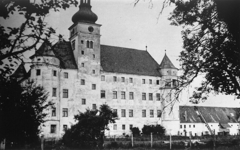 Hartheim Castle, site of a 'T4' euthanasia center from May 1940 though 1944, Alkoven, Austria (public domain)