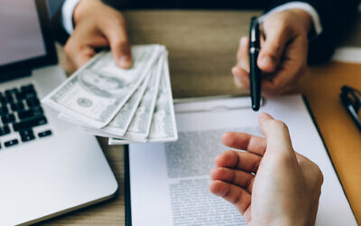 Illustrative image of a payment (wutwhanfoto; iStock by Getty Images)