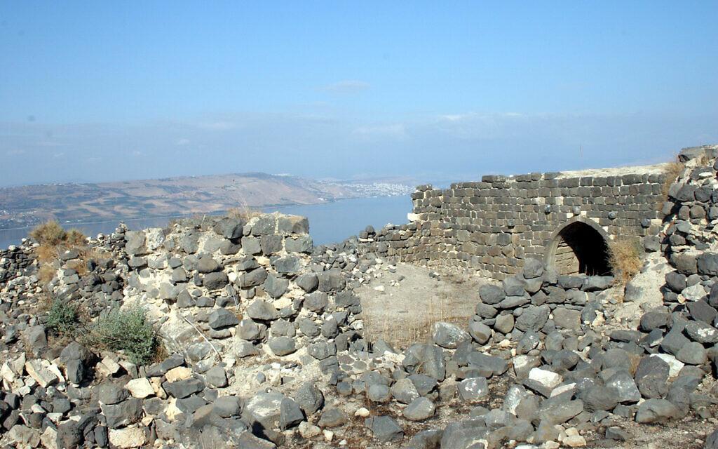 The deserted village of Mevo Hama was home to hostile Syrian troops until 1967. (Shmuel Bar-Am)