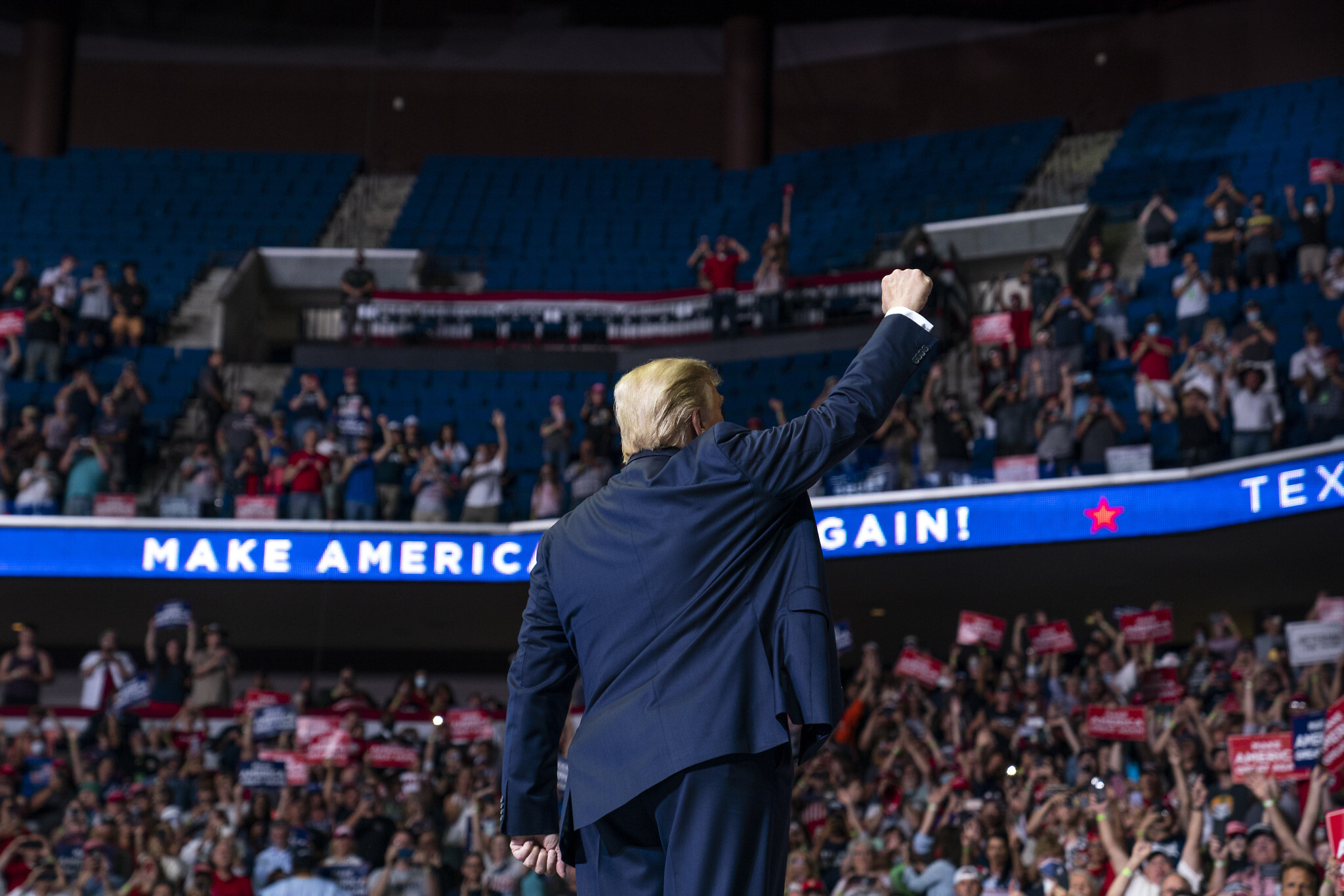 Netizens Ridicule Trump Rally as Actual Attendance Far Below Touted Numbers