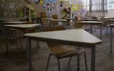 A classroom is empty at an elementary school in Tel Aviv, April 30, 2020. (Sebastian Scheiner/AP)