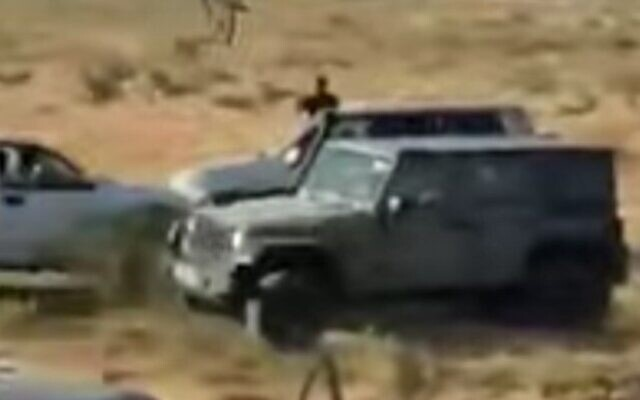 Screen capture from video of a clash between IDF soldiers and suspected gun thieves near the Bedouin town of Bir Hadaj, May 31, 2020. (YouTube)