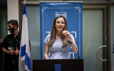 New Minister of Social Equality Meirav Cohen at a ceremony marking her takeover from previous minister Gila Gamliel, held at the Ministry of Social Equality in Jerusalem on May 18, 2020. (Flash90)